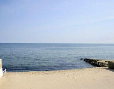 Calm bare beach